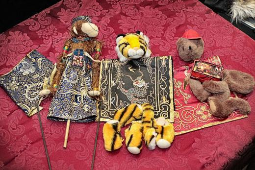 These puppet parts are destined to become entertaining performers for you, once kids or adults finish them at home, from kits offered online by Sellwood�s Portland Puppet Museum.